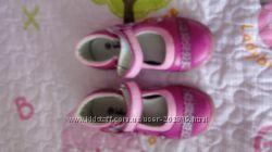 Продам наши туфельки для девочки, размер 28, бу