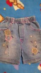 Продам наши джинсовые шорты для девочки, на возраст 3-4 года, бу