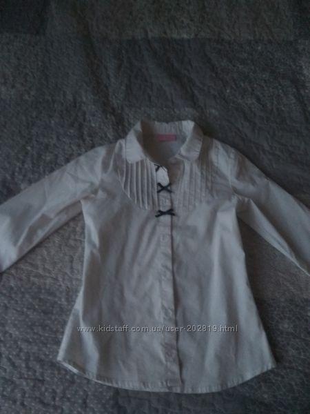 Продам красивую школьную блузку для девочки, бу
