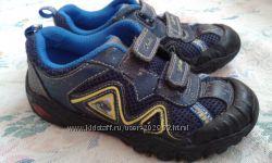 Фирменные кроссовки Clarks 28р-стелька 17 см кожа