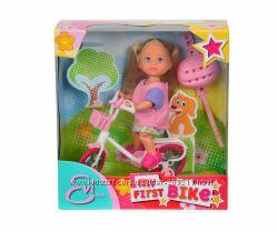 Эви на велосипеде от Симба. Evi Love My First Bike Doll.