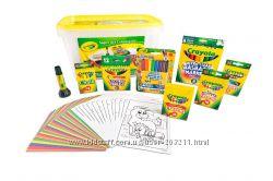 Crayola Super Art Coloring Kit. Набор Крайола все для раскрашивания.