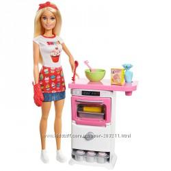 Кукла Барби пекарь кондитер Barbie Bakery Chef Doll and Playset