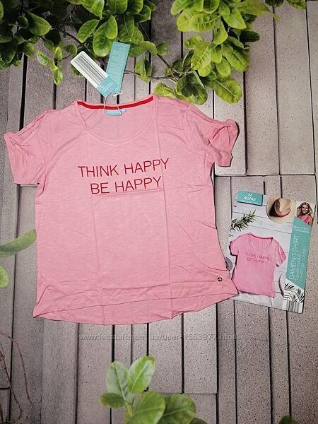Розовая женская футболочка с надписью свободный крой