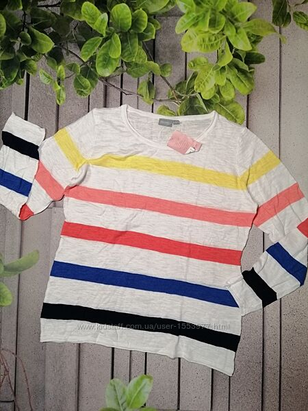 Легкий хлопковый пуловер в разноцветные полосы