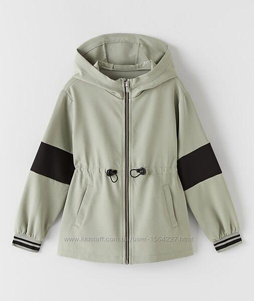 Демисезонная куртка на девочку ZARA 7 лет 122 см