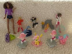 Киндеры 11 штук. Куклы, единорог, колечко.