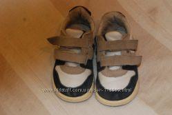 Продам модные стильные кроссовочки Zara.
