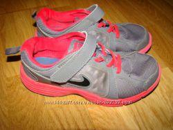 Кроссовки Nike р. UK 2, EUR 34 21 см по стельке