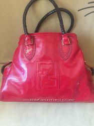 Красная сумка Fendi Италия