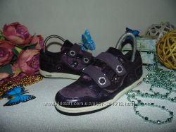 Мигают. Шикарные кроссовки Walkx 35р, ст 22, 5см. мега выбор обуви