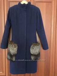 Пальто с карманами  из  натурального меха чернобурки