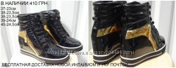 Сникерсы ботиночки черные