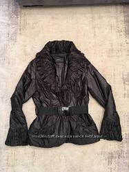 Продам женскую куртку 42 размер