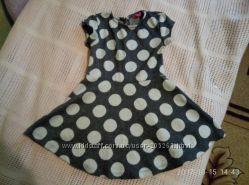 очень красивое тепленькое платье плотное yd на 2-3 года.