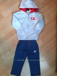 Спортивный костюм Nike на 3-4 года идеальное состояние