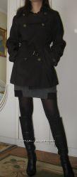 Продам красивый, стильный,  коротенький, черный плащик Snow beauty, размер