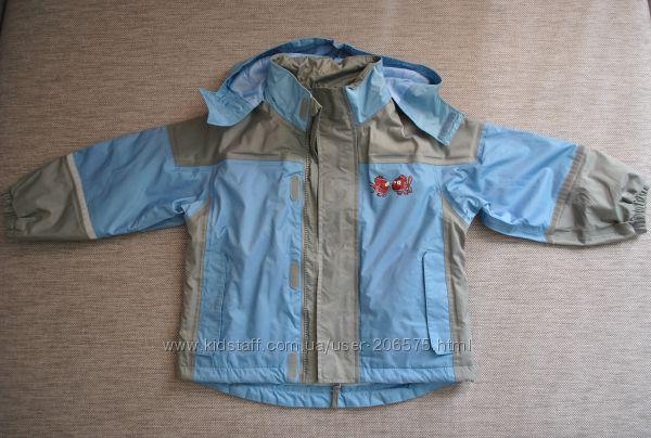 Куртка на флисе на 3-4 годика.