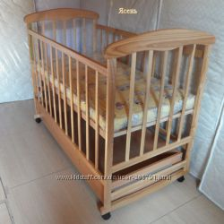 Детская кроватка Наталка с ящиком, ясень