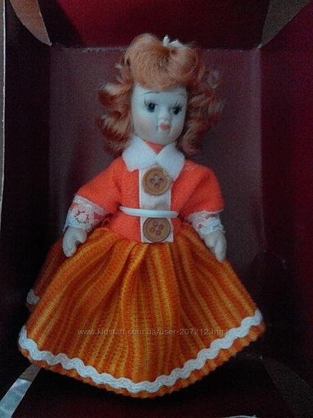 Кукла коллекционная  керамическая.