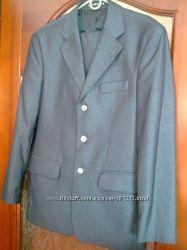 Костюм стильный  для студента. Двойка- пиджак и брюки.