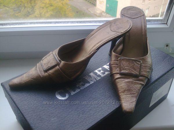 Шлёпки на каблуке  стильные