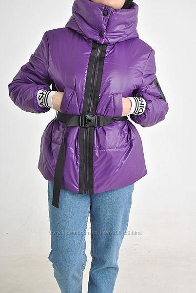 Легкие весенне-осенние куртки с капюшоном съемным поясом