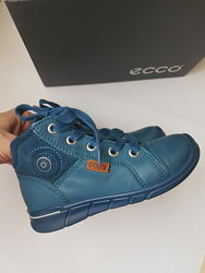 Ботинки детские ECCO FIRST б/у в отличном состоянии , 25 размер