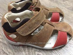Новые сандали Clarks, размер 20