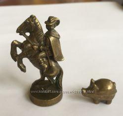 Антикварные латунные фигурки Охотник на трюфели , из латуни
