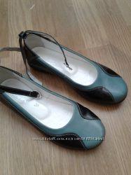 Туфли каприз р. 32, 33, 35
