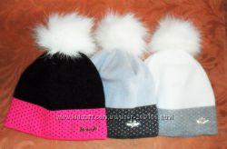 Модные шапки с помпоном дочкам и мамам на ог53-56см
