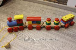 Поезд-каталка деревянный