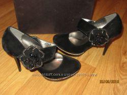 Красивые бархатные туфли на выход