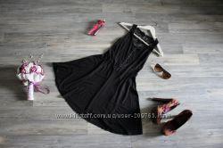 Очень красивое платье atmosphere с гипюровой спинкой