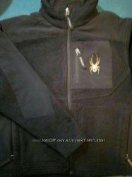 Куртка демисезонная на мальчишку ростом 140 см.