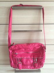 Красивая сумка ярко-розовая Marks & Spencer
