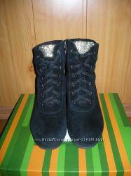 Ботинки , сникерсы
