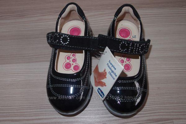 новые  туфли Chicco  21 размер