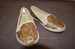 Золотистые балетки от Gap размер 11
