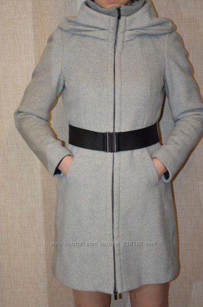 Очень красивое пальто от Zara размер М-L