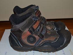 Демисезонные ботинки Geox для двора, размер 31