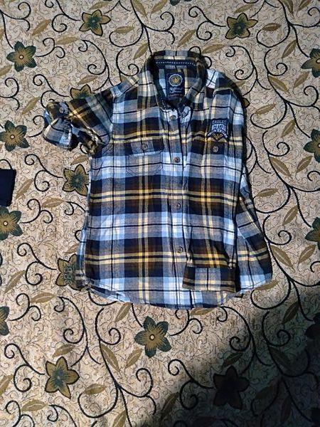 Фланелевая рубашка на 4-5 лет.