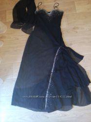 шикарное платье со шлейфом р. М-Л