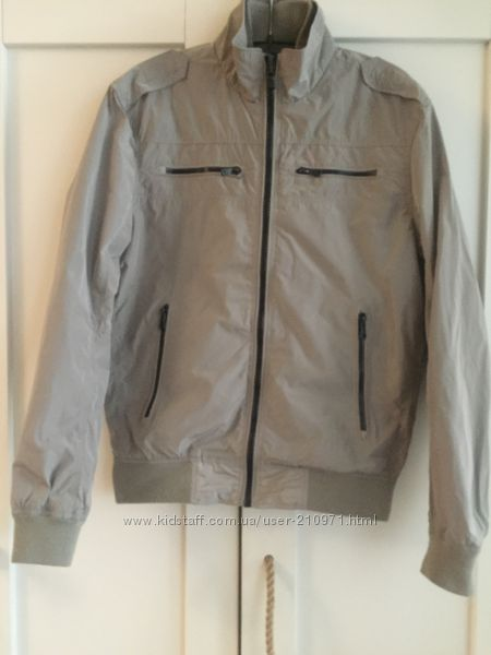 Куртка-ветровка Mango H. E. модному подростку
