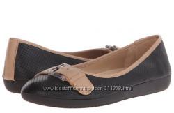 Стильные и удобные туфли Naturalizer Women&acutes Kiara Flat
