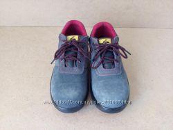 Трекинговые ботинки с железным носком