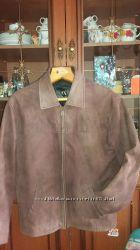 Классная кожаная куртка размер М.