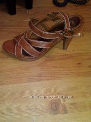 Обувь БУ 41 размер 3 пары