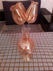 Стеклянные цветы в вазе